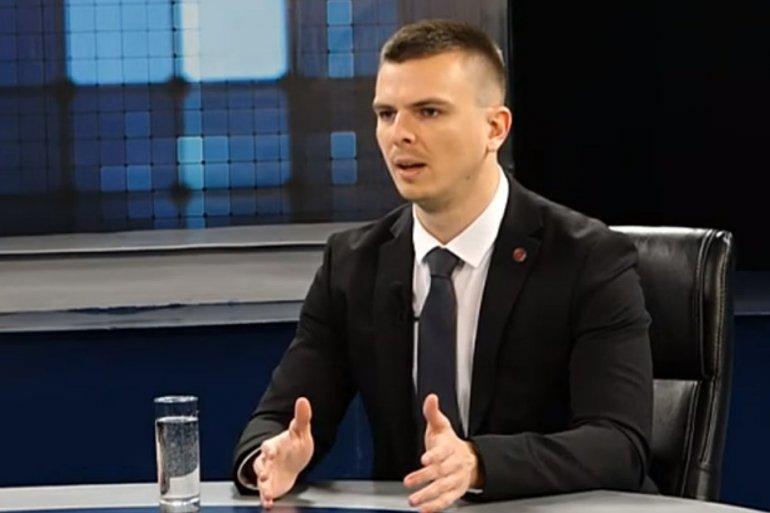 МИЛОШ ПАРАНДИЛОВИЋ